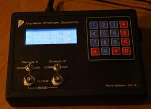 Generator przebiegów arbitralnych - obudowa